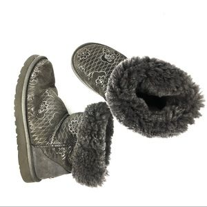 Ugg Classic Short Silver Gray Floral Print US 7